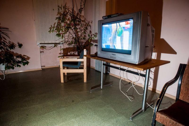 Kauniečiai televizorius apgulė ir gaisrinėje