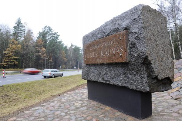 Kitąmet keliu Vilnius–Kaunas bus galima važiuoti greičiau (papildyta)