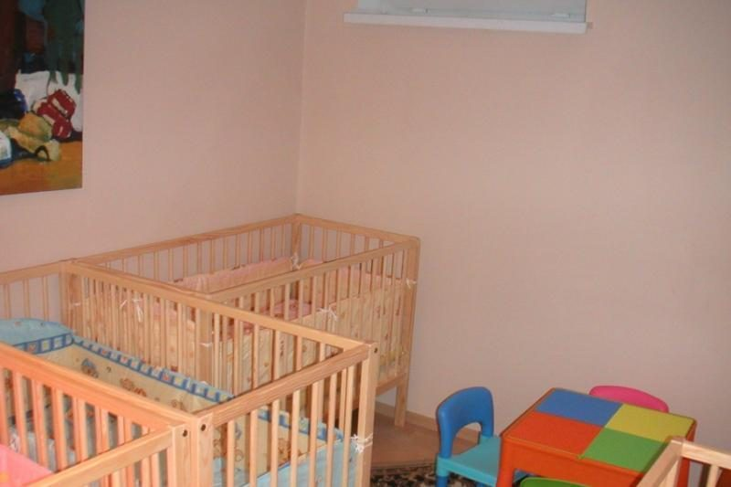 Vilniuje uždarytame darželyje-lopšelyje vaikai miegojo rūsyje