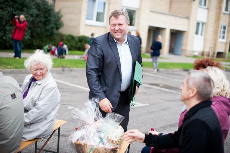 Bendrijos gimtadienis – su politiniu fejerverku