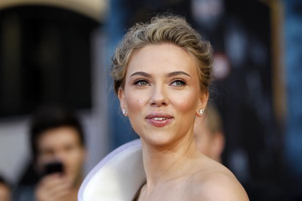 """S.Johansson paskelbta """"Metų mergina"""""""