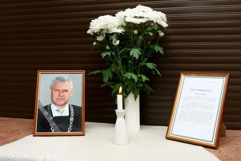 TV3 turės viešai atsiprašyti nužudyto teisėjo J.Furmanavičiaus motinos