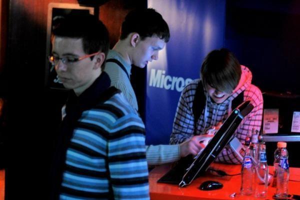 """""""IT naktis"""": pažintis su IT studijomis ir verslo galimybėmis"""