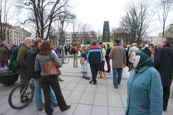 V.Kudirkos aikštėje – akcija prieš miško kirtimą