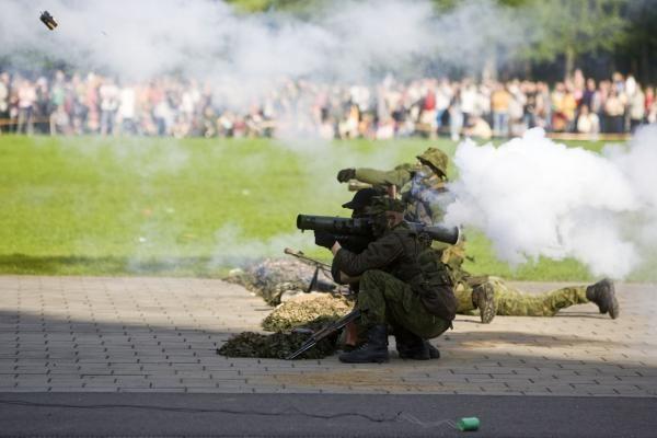 Karinė operacija Vingio parke palydėta audringais plojimais