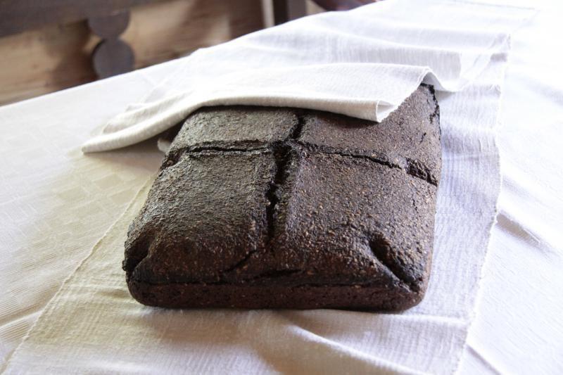 Mokslininkai: kasdien juodą duoną valgykite triskart