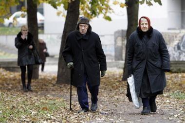 Seimas dar nepalaidojo pataisos, siūlančios nuo 2011-ųjų vėl padidinti pensijas