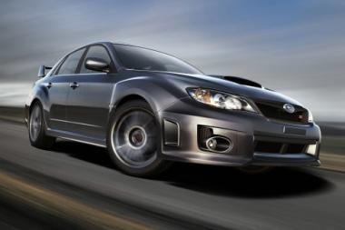 """Spalį Lietuvą pasieks naujasis """"Subaru WRX STI"""" sedanas"""