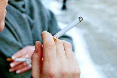 Apie rūkymo žalą Klaipėdos moksleiviams primins lipdukai