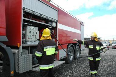 Klaipėdos senamiestyje degė mašina