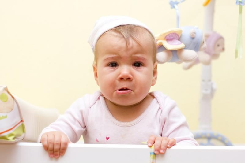 Išsiaiškinta, kada kūdikiai pradeda bijoti aukščio