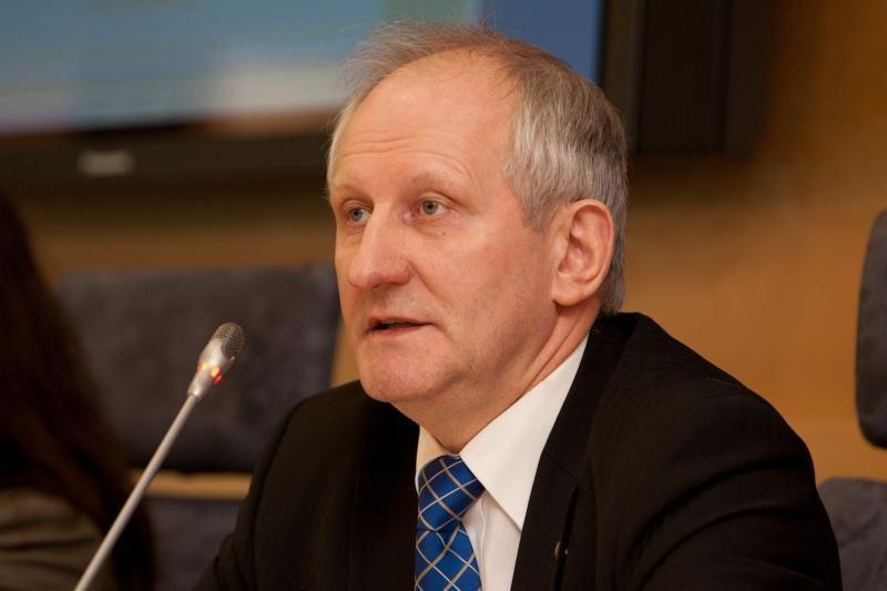 Seimo narių padėjėjams reikės išmokėti daugiau kaip 1 mln. litų