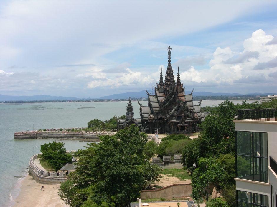 Atostogos Patajoje: nuo auksinio Budos iki viešbučio be elektros ir dramblių