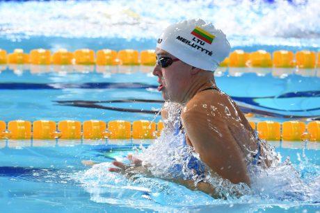 R. Meilutytė vos pateko į 100 m plaukimo krūtine pusfinalį