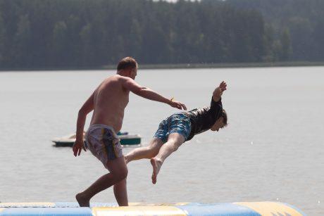 Tikrino vandenį: pasakė, kur geriau nekišti kojos
