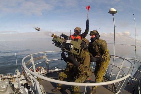 Baltijos jūroje – kovinio šaudymo pratybos
