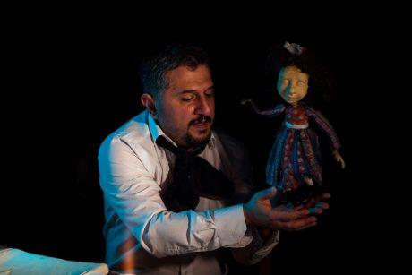 Teatro scenoje – lėlių spektaklis suaugusiesiems