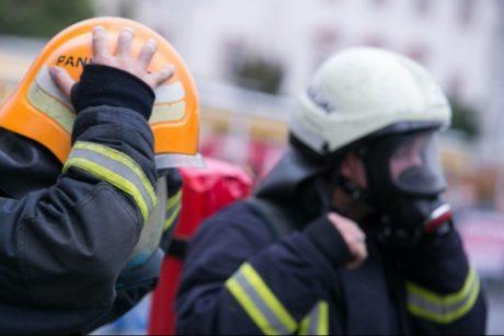 Klaipėdoje dėl degančio buto teko evakuoti 40 žmonių