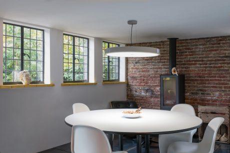 Kaip išsirinkti tinkamiausią apšvietimą namuose?