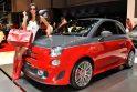 Ženevos automobilių parodoje - gražuolių desantas