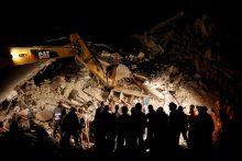 Italijoje žemės drebėjimo aukų padaugėjo iki 247
