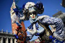 Pasigrožėkite Venecijos karnavalo kostiumais