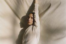 Vilniuje laukiama švedų muzikos žvaigždė Lykke Li pristato dvi naujas dainas