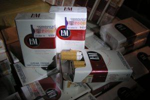 Už 20 pakelių cigarečių pasienietis gavo 5,6 tūkst. eurų baudą