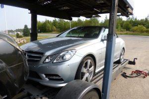 """Po pasieniečių patikrinimo kelionę tęsė be Italijoje vogto """"Mercedes"""""""