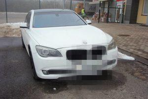 Rusas vairavo Ispanijoje pavogtą automobilį, baltarusis – Italijoje
