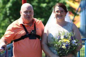 Nuotykių ištroškę amerikiečiai susituokė atrakcionų parke