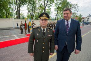Ukrainos ministras: Rusija telkia pajėgas prie mūsų sienos