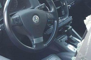 """Vagys uostamiestyje rinkosi """"Volkswagen"""" automobilius"""