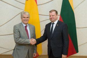 Ispanijos ministras Vilniuje agituoja už glaudesnius ES ryšius
