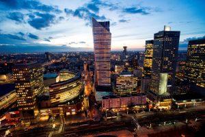 Varšuvoje duris atvėrė aukščiausias Europoje gyvenamasis dangoraižis