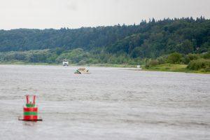 Tragedija Nemune: apvirtus baržai su pramogautojais nuskendo moteris