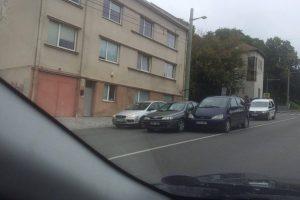 Savanorių prospekto nepasidalijo trys automobiliai?