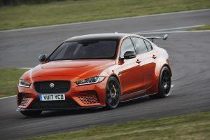 """Jaguar XE SV Project 8"": riaumojantis 600 AG žvėris"