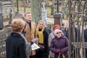 Istorinėms Rasų kapinėms – sostinės mero dėmesys