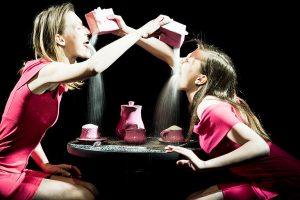 Premjera: spektaklis apie moteriškumo sampratą