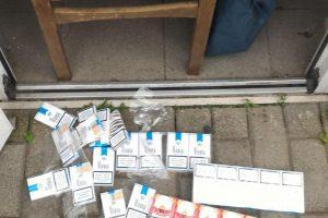 Pareigūnai išaiškino moterį ir vyrą, nelegaliai pardavinėjančius cigaretes