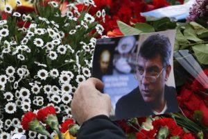 Maskvos valdžia leido memorialine lenta pagerbti Kremliaus kritiką B. Nemcovą