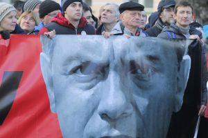 Rusai pagerbė prieš metus nužudytą Kremliaus kritiką B. Nemcovą