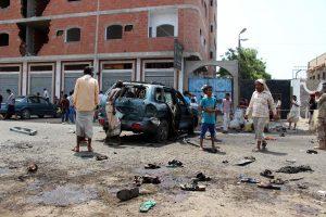"""Kruvinos """"Islamo valstybės"""" atakos Jemene: žuvo 41 žmogus"""