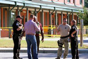JAV paauglys nužudė tėvą ir pašovė tris žmones mokykloje