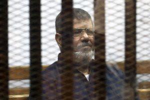 Egipto prezidentui panaikinta viena įkalinimo iki gyvos galvos bausmė
