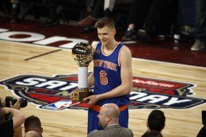 """NBA """"Visų žvaigždžių"""" konkurse varžovus nurungė latvis"""
