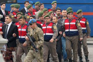 Turkijoje vyksta teismas dėl įtariamo pasikėsinimo į R. T. Erdoganą