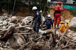 Kolumbijoje purvo nuošliaužų aukų padaugėjo iki 254