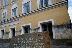 Austrijos teismas: sprendimas nusavinti A. Hitlerio namą lieka galioti